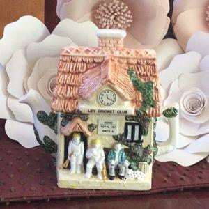 Leonardo ley cricket club ceramic teapot decor